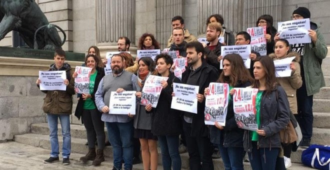 Sindicato de Estudiantes en el Congreso con Mena y Montero. / EUROPA PRESS