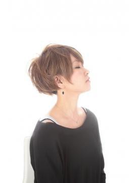 ショートヘア ツーブロック 女性 - 参考にしたい刈り上げ女子の画像まとめ【女性のツーブロックを