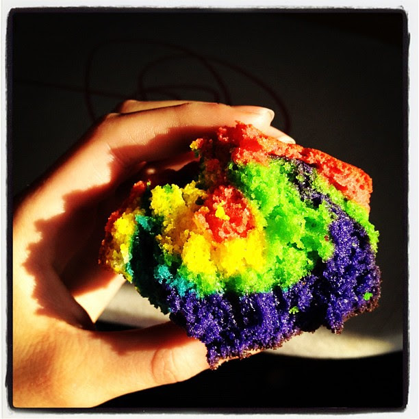 squee! rainbow cupcake!