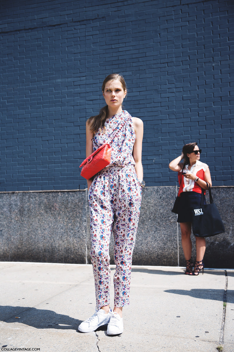New_York_Fashion_Week_Spring_Summer_15-NYFW-Street_Style-Caroline_Brasch-Floral_Jumpsuit-Chanel-White_Sneakers-