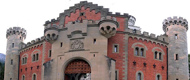 File:Schloss Neuschwanstein 6862.jpg