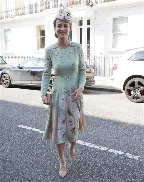 Pregnant Pippa Middleton arrives for Prince Harry and