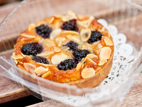 Blackberry almond tarte