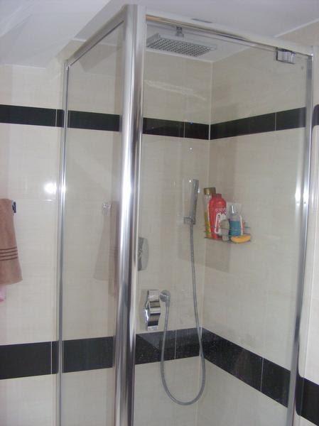 Wesoly Malutka Lazienka Z Prysznicem