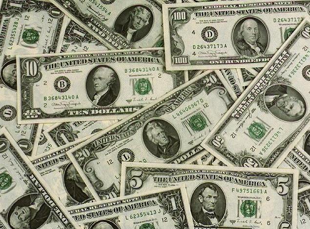 """Un giro improvisado: devaluación, inflación y """"cepo"""" al salario"""
