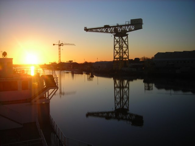 File:Buccleuch Dock - Sunrise - geograph.org.uk - 485789.jpg