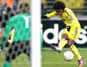 Willian do Anzhi no jogo contra o Hannover (Foto: AP)