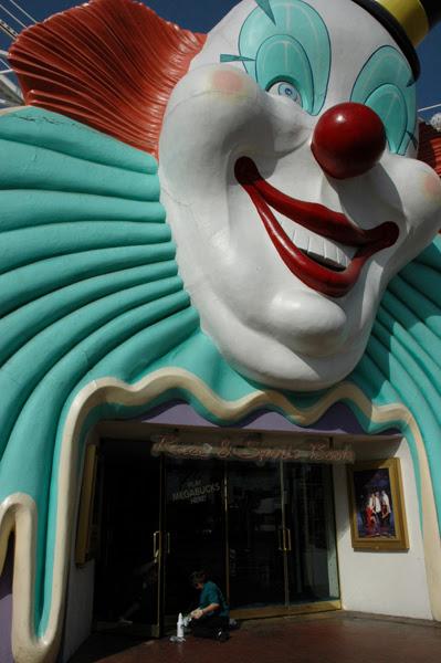 169. cleaning doors giant clown 3.jpg