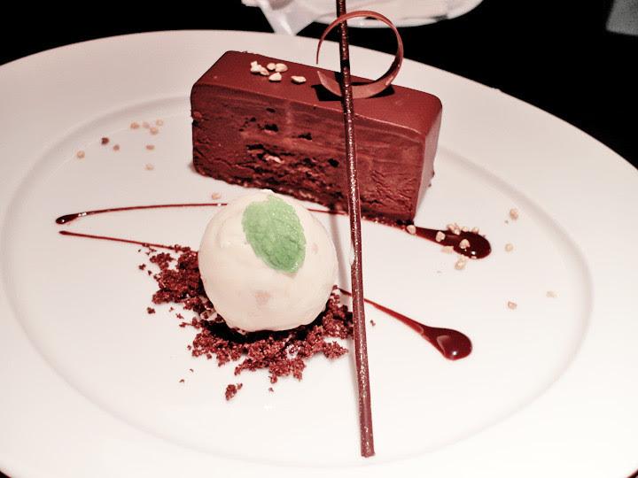 desserts at Azie Grand Cafe Regent taipei