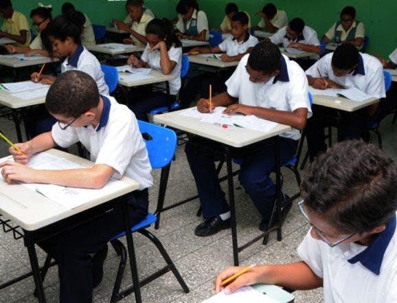 Resultado de imagen para Educación llama a 162 mil estudiantes a Pruebas Nacionales