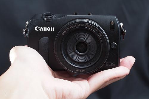 Canon_EOS_M_intro_15