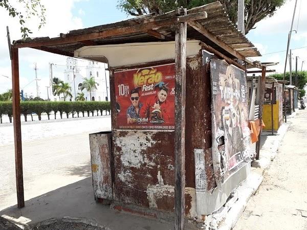 João Câmara: Secretário de Obras estuda como retirar barracos do canteiro da praça Monsenhor Freitas