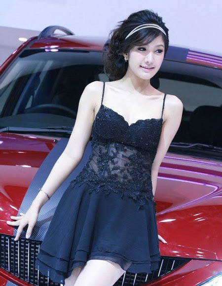 20110531155804 Sarunruk Sirirumpaivong16 Chiêm ngưỡng vẻ đẹp ao ước của nữ hoàng xế hộp Thái