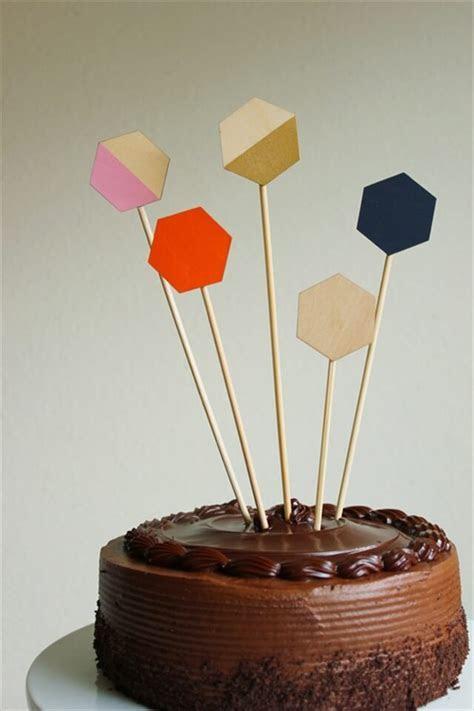 10 DIY Cake Topper Ideas   DIY to Make