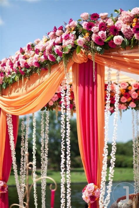 The best part? The long garlands made of tiny white