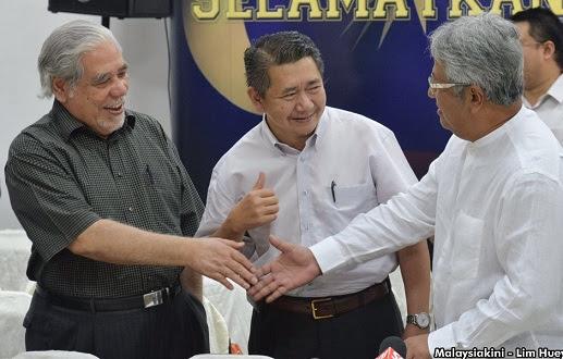 Sabahat baik Hadi tandatangani deklarasi rakyat, Pas flip flop?