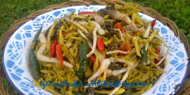 Resep Tumisan Pedas Bunga Pepaya Campur Jamur Merang & Kucai Oleh Inonk Aden _ LizSetia(MomyNaufal)