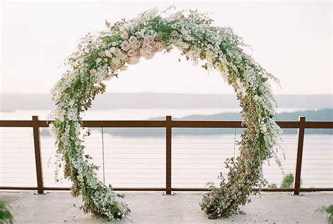 How to Create and Display Circular Wedding Arches   OASIS