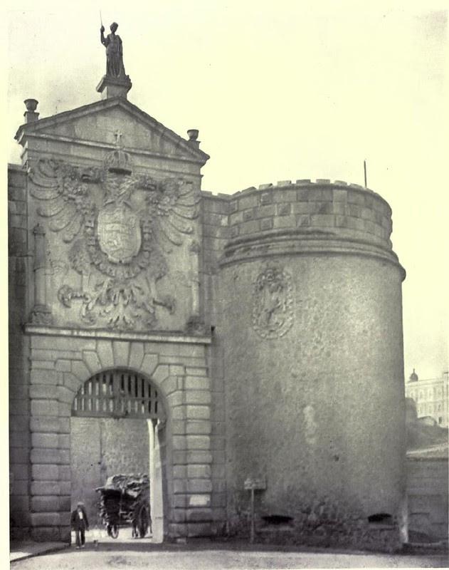 Puerta de Bisagra. Fotografía de Austin Whittlesey a comienzos del siglo XX. © University of Toronto