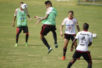 Guerrero treina no CT do Brasiliense (Foto: Gilvan de Souza/Fla Imagem)