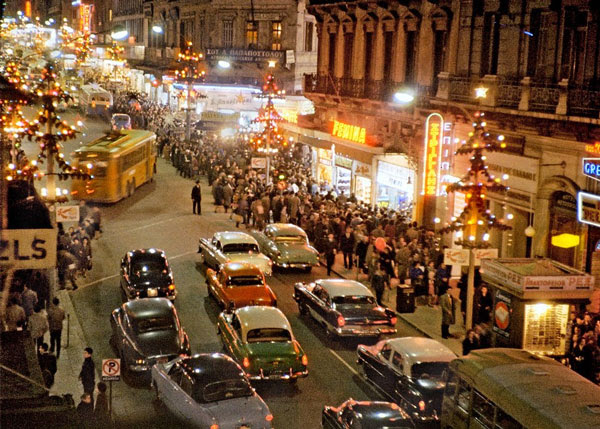 Perierga.gr - Αθήνα, Χριστούγεννα 1960: Μια σπάνια φωτογραφία