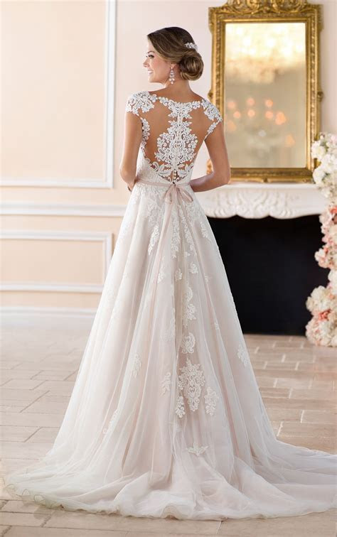 Romantic Cap Sleeve Wedding Dress With Cameo Back