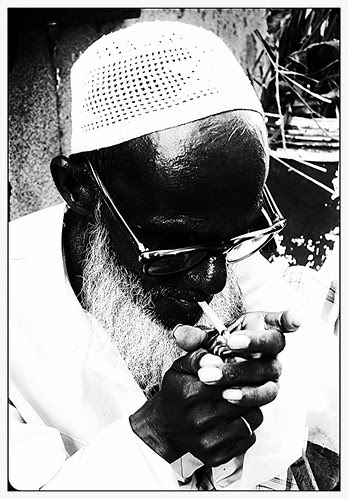 Jaffar Bhai Friendly Muslim Beggar of Bandra Bazar by firoze shakir photographerno1