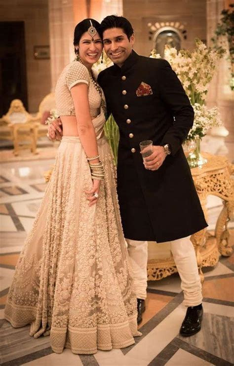 What is the best wedding reception costume for Indian