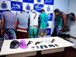 apresenta suspeitos (Foto: Ruan Melo/G1)