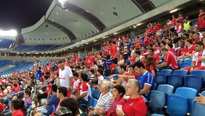 Arena das Dunas - torcida de pé (Foto: Jocaff Souza/GloboEsporte.com)