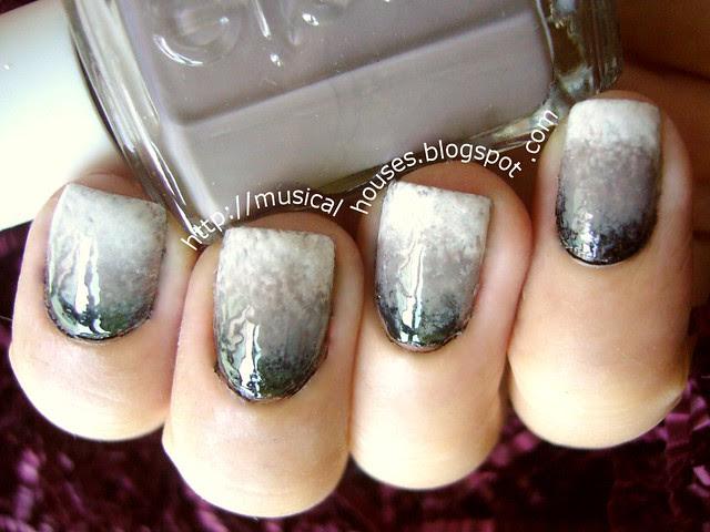 gradient manicure black grey white 2