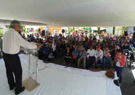 Andrés Manuel López Obrador en Zitlaltepec, Tlaxcala. Foto: Especial