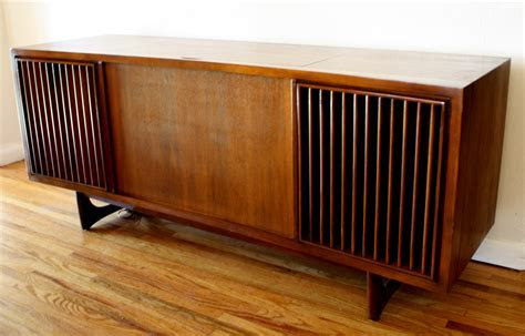 Mid Century Modern Slatted Stereo Record Player ? RCA Victrola   Picked Vintage