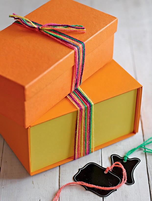 Papel pardo , caixas e lã