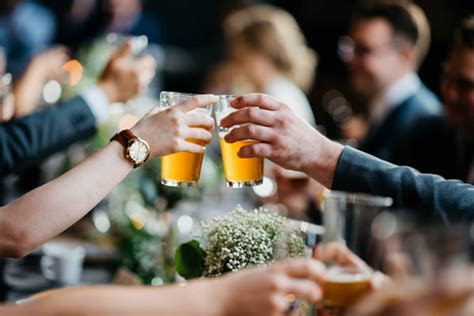 Wedding Alcohol Calculator: How Much Alcohol to Buy for