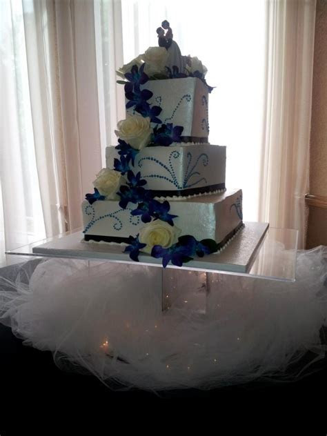 10 best Two tier square wedding cakes images on Pinterest