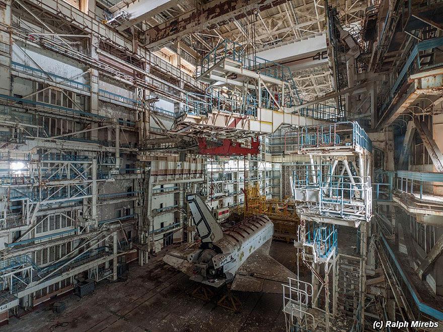 lanzaderas-sovieticas-buran-abandonadas-baikonur-ralph-mirebs (28)