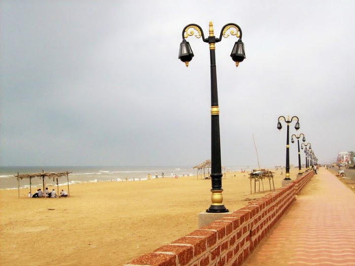 A stroll with your beloved on the Puri beach