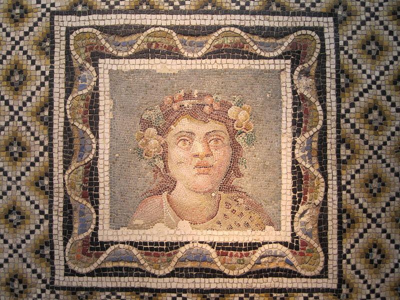 File:Mosaïque - Buste de Dionysos - Palazzo Massimo.JPG