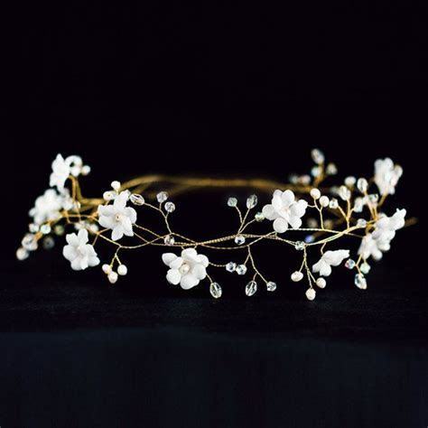 Best 25  White flower crown ideas on Pinterest   Flower