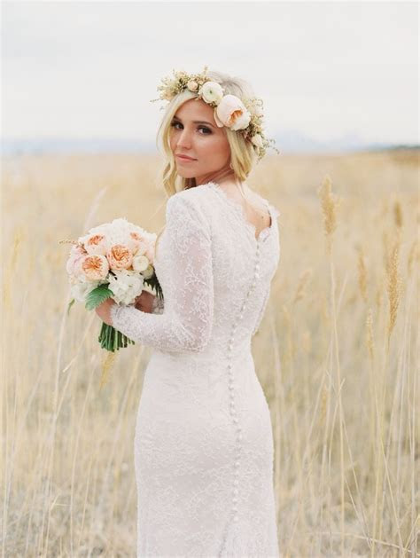 25  best ideas about Flower Crown Wedding on Pinterest