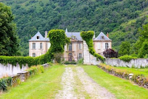 the château featured on travel blog expedia.com.au