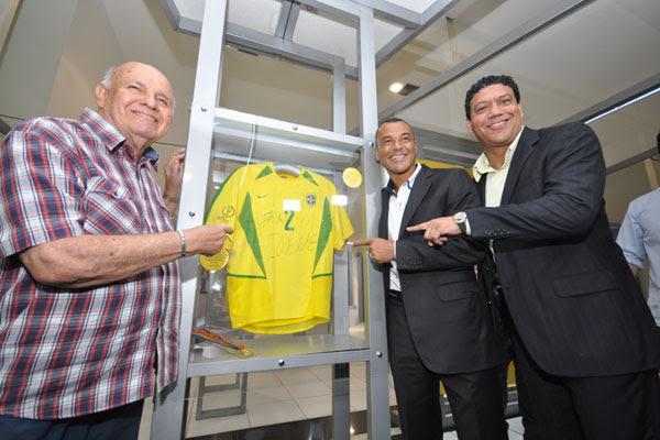 Pepe, Cafu e Márcio Santos comemoram a oportunidade de levar as peças pelas cidades do Brasil