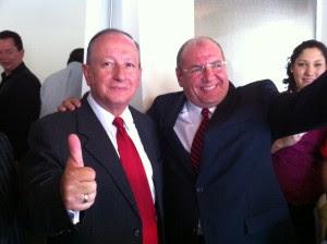 En la imagen Rodolfo Hernández y Roberto Suñol. CRH