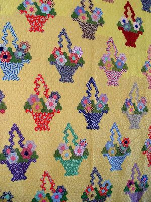 1930-1940s-Vintage-Handmade-FLOWER-BASKET-Quilt-Novelty-Feedsack-Yellow, eBay, i_spy_design