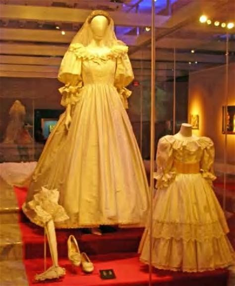 Top 10 Most Expensive Wedding Dresses in the World   Most
