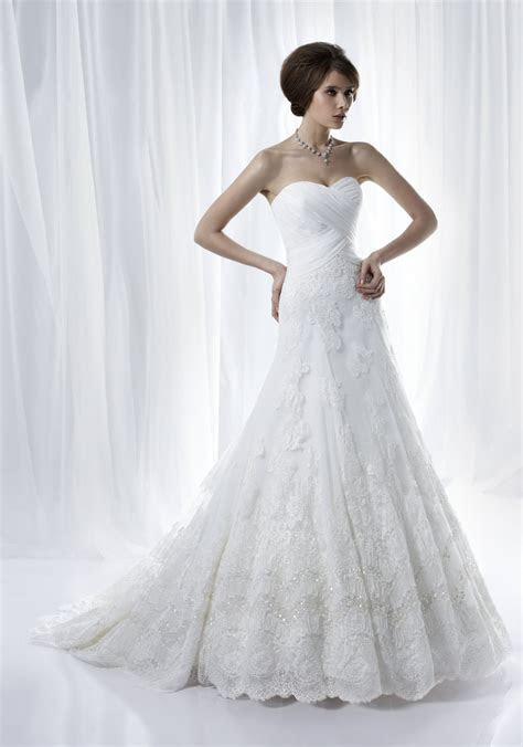 Romantic white strapless a line wedding dress with beading