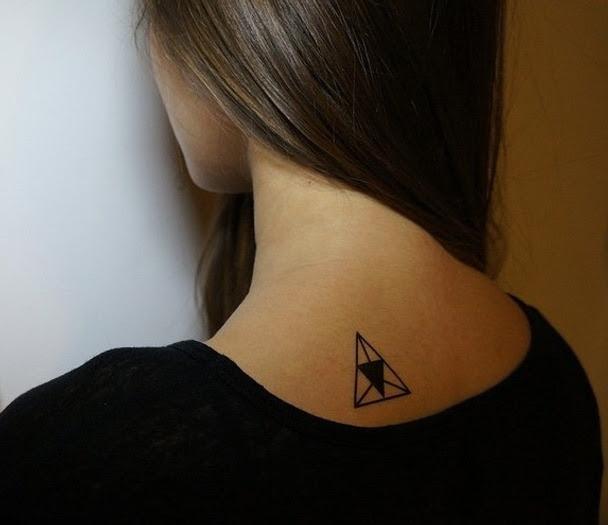 El Tatuaje De Triángulo Hipster El Símbolo Del Momento