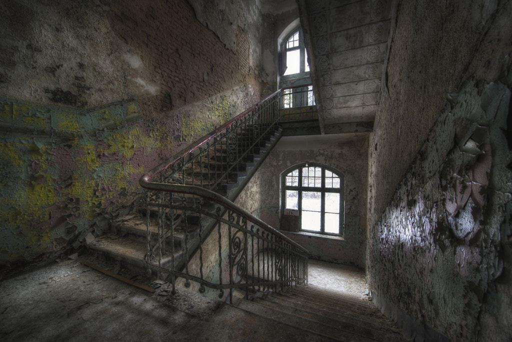 A arte do Urbex - As impressionantes fotografias de Niki Feijen 13