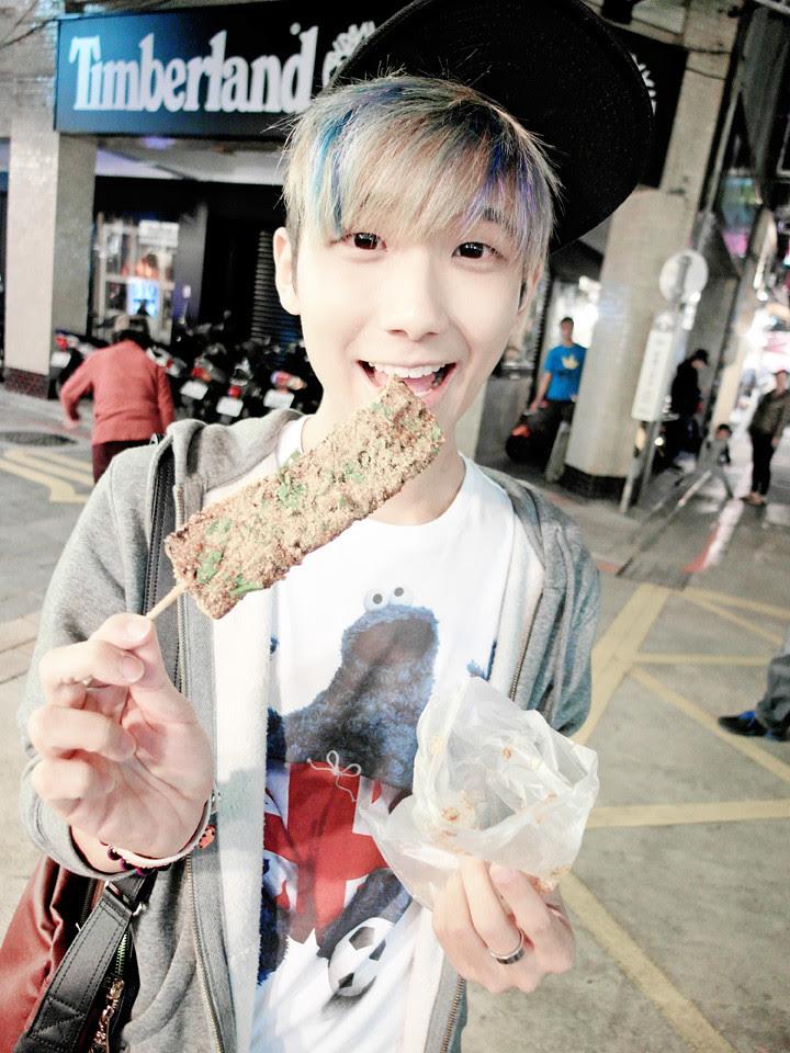 typicalben eating zhu xue gao (Pig Blood Cake)